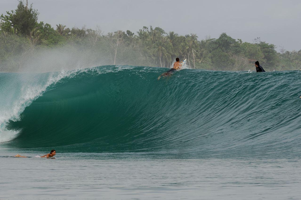 Ola en alguna parte del archipiélago de las Mentawai