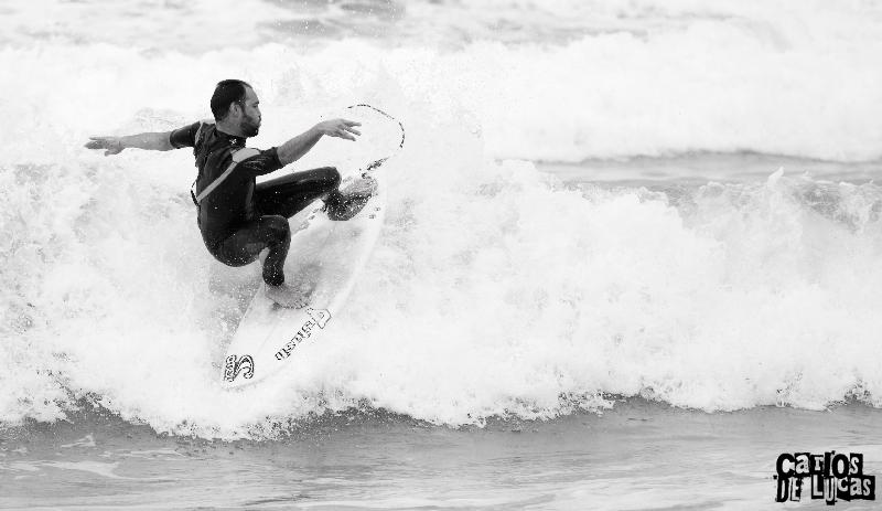 Foto: Carlos de Lucas. Surfista: Fernando Ferrao