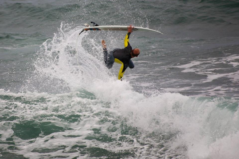 Fernando Pérez, monitor de la escuela de surf.